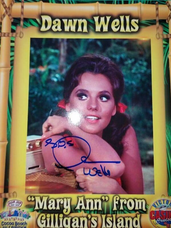 Dawn Wells Mary Ann Gilligan's Island signed 8x10 photo autographed for charity