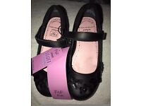 BRAND NEW F+F (TESCO) GIRLS UK SIZE 10 SCHOOL SHOES