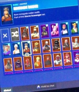 Selling renegade raider 120+ skins and ghoul trooper account