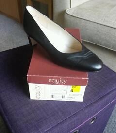 Brand new leather shoes size 6 EE