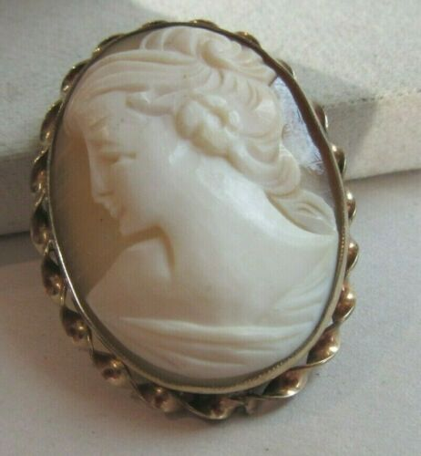 Vintage gold filled carved Cameo oval pin