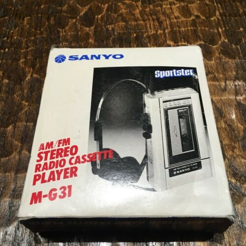 Vintage SANYO M-G31 AM/FM Stereo Radio Cassette Player Made In Japan
