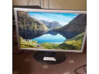 Computer monitor 22 inches, fully working with power cables, £10.