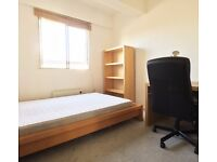 Double Bed in Rooms to rent with utilities included in a 4-bedroom flat in Brixton