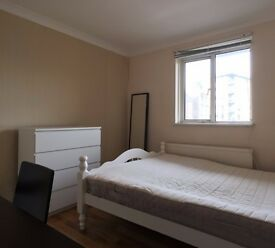 Double Bed in Rooms to rent in modern 4-bedroom houseshare in Walworth
