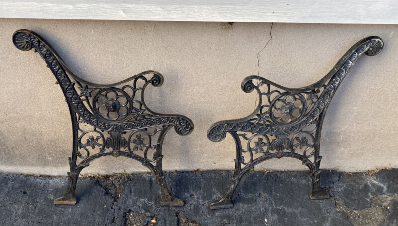 PAIR OF VTG or ANTIQUE HEAVY ORNATE CAST IRON BENCH LEGS ENDS SALVAGE STARS LION