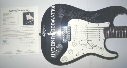 SIGNED HOLLYWOOD UNDEAD AUTOGRAPHED GUITAR CERTIFIED AUTHENTIC JSA LOA BB08811