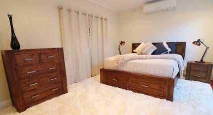 Modern Hardwood Sorrento Style 4pc Bedroom Suite (Queen/King)