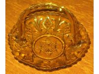 VINTAGE - AMBER COLOURED DECORATIVE GRAPE DISH WITH HANDLE, can be used for cakes, sandwiches,sweets