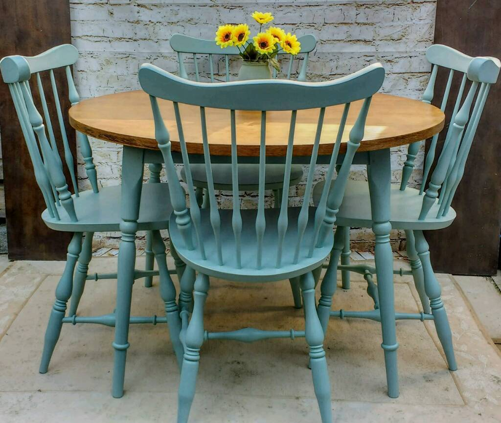 Rustic Farmhouse style shabby chic round kitchen/Dining ...
