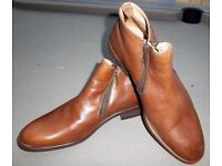 DUNE MENS MACCABEE SIDE ZIP LEATHER ANKLE BOOTS - TAN - SIZE 43 (9) - NEW & UNWORN. PRICE INCS P&P
