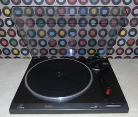 TECHNICS SL-B210 Semi-Automatic Belt-Drive Turntable.