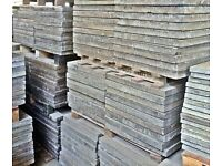 RECLAIMED QUALITY GREY CONCRETE PAVING SLABS - 3 X 2FT