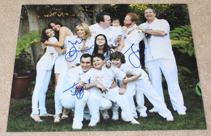 MODERN FAMILY CAST SIGNED AUTHENTIC 11X14 PHOTO w/COA X4 BOWEN BURRELL FERGUSON+