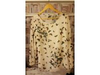 Maternity...butterfly top size 14