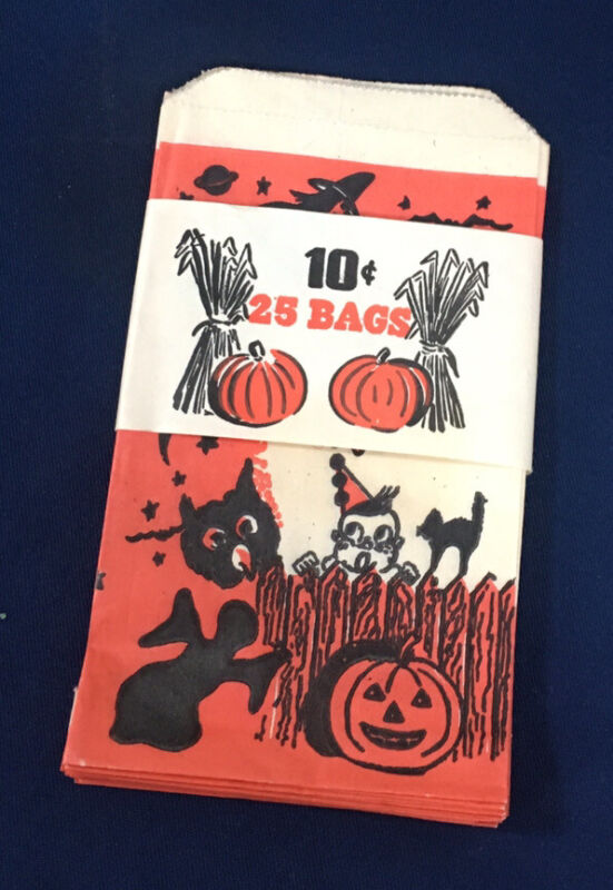 Vintage Halloween 25 Trick or Treat Bags Old Store Stock