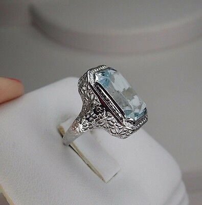 14K White Gold Art Deco Ring with blue stone size 5.75