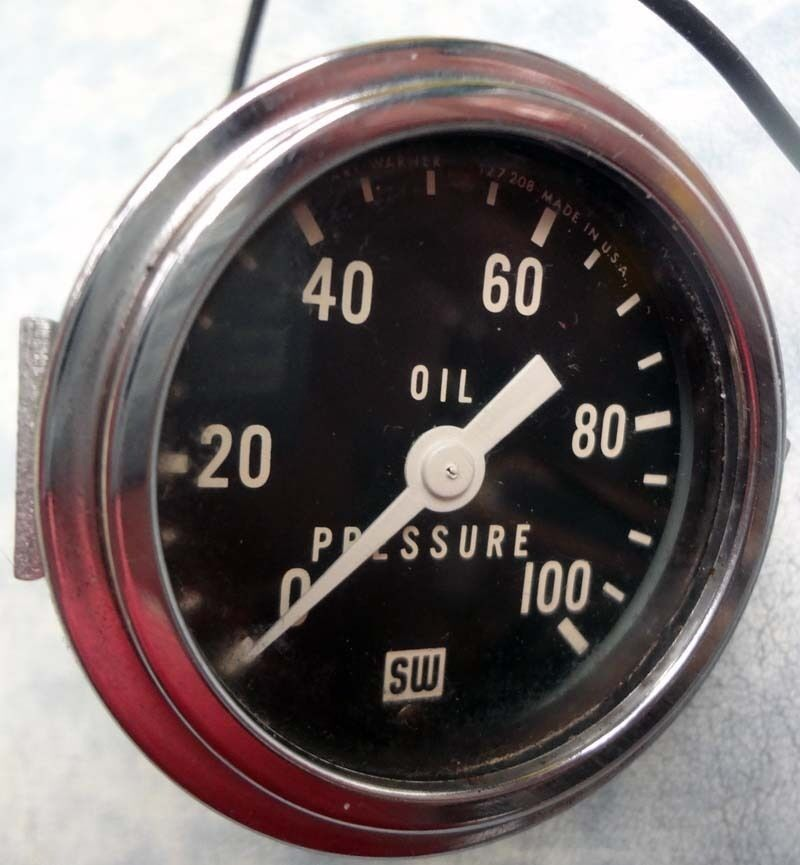 Stewart Warner 360JC 0 100 PSI Mechanical Oil Pressure Gauge with Light