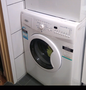 7.5 kg whirpool washing machine for sale Skye Frankston Area Preview