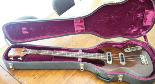 Circa 1970-1972 Gibson SB-400 Bass Guitar - Beater w/ Original Case