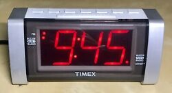 Timex T235 Jumbo LED Display Am/Fm Clock Radio Aux Outlet Battery Back Up Dim