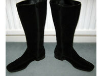 LADIES BLACK KNEE LENGTH BOOTS ( SUEDE ? ) size EU 6 1/2 or US 8 1/2