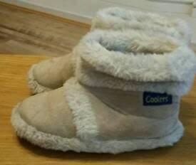 Girls slipper boots child sizes 12-13