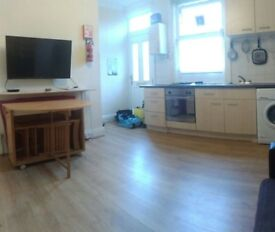 TWO bedroom House to LET HYDE PARK