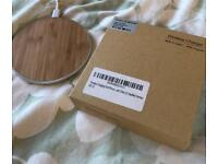 Wireless Qi compatible charging base wood brand new