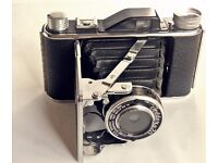 Vintage Foldex 20 camera. Made in Chicago 1950's. Rare. Mint.