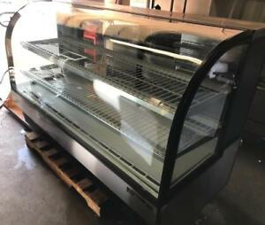 6ft true curve glass pastry cake deli fridge ( like new ) shipping avaiable with in Canada