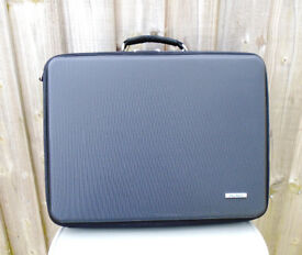 Avtex TV Carrying/Storage Case As New.