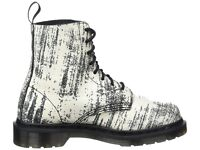 Dr Martens Pascal Painter Womens Leather 8-Eyelet Ankle Boots - White And Black Size 7/40