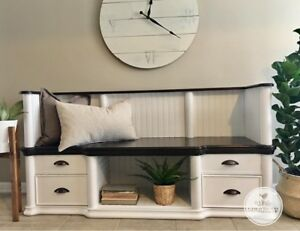 Entrance storage bench
