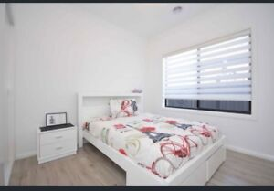 Double sided bed comes with 2 bedsides Craigieburn Hume Area Preview