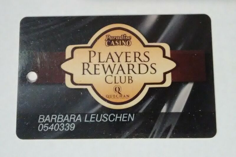 PARADISE CASINO PLAYERS REWARD LOGO SLOT CARD GREAT FOR ANY COLLECTION!