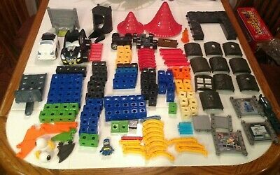 Fisher Price Trio Blocks Wizards Castle & Batman DC Super Friends Lot