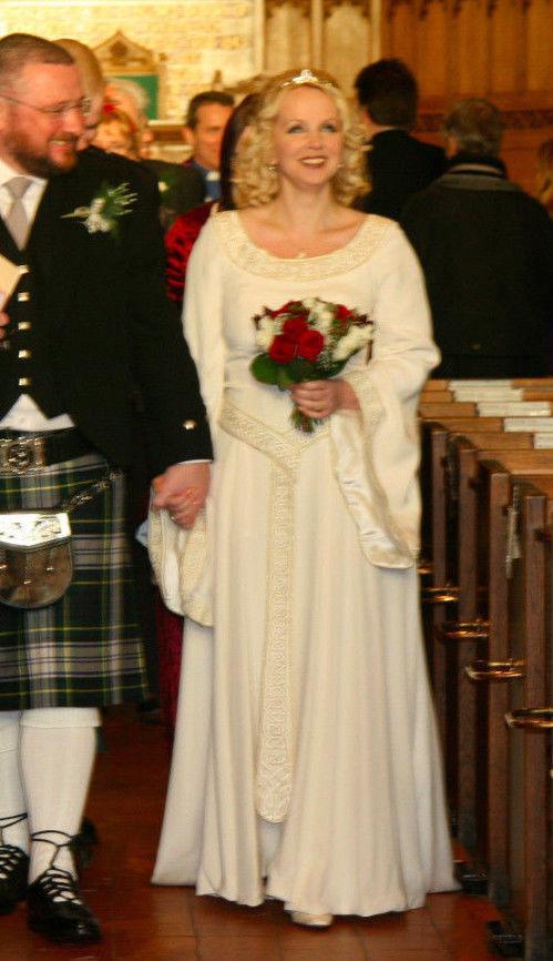 LINDSAY FLEMING DESIGNER CELTIC MEDIEVAL BRIDAL GOWN WEDDING DRESS ...