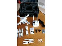 **EXCELLENT CONDITION** DJI Phantom 3 Advanced drone bundle with Hard Case
