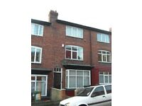 5 bedrooms in Richmond Mount, Leeds, LS6 1DF