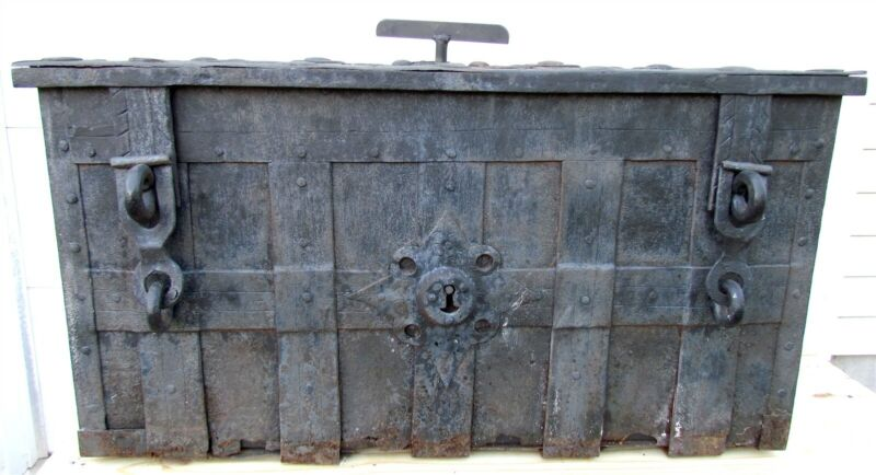ARMADA STRONG BOX ANTIQUE 17th CENTURY IRON GERMAN NUREMBERG