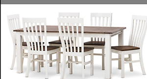 Dining table brand new Roxburgh Park Hume Area Preview