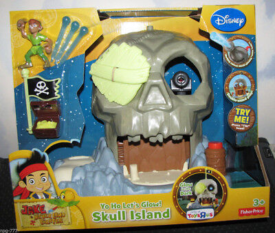 Disney Jake the Never-Land Pirates Yo Ho Let's Glow Dark Skull Island Play-Set (Land Pirates)