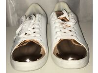 White New Look trainers