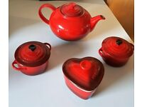 LE CREUSET dish set and teapot - excellent condition (cost £85 total)
