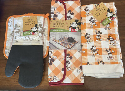 Disney Fall Classic Mickey Mouse Kitchen Towels, Drying Mat & Oven Mitt Set.