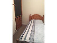 student room in Worcester available