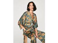 Selling ZARA green flower kimonojumpsuit. Brand new! Size L.