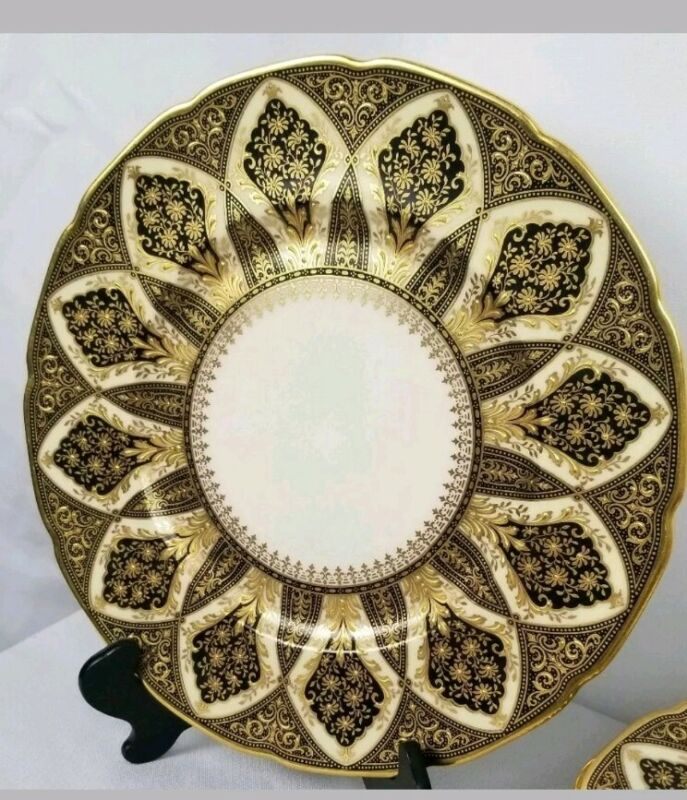 Set Of 12 Gold Encrusted Lenox Antique Dinner Plates Fine China