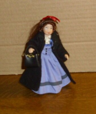 leid / Mantel mit dunklen Haaren -Miniatur 1:12 (Mädchen Mit Blauen Haaren)